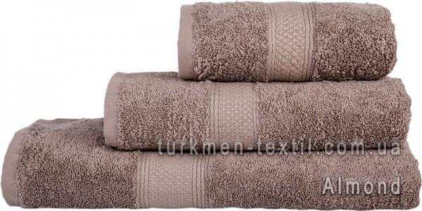 Махровое полотенце 70х140 см миндального цвета 550 г/м2