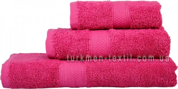 Махровое полотенце 70х140 см малинового цвета 550 г/м2