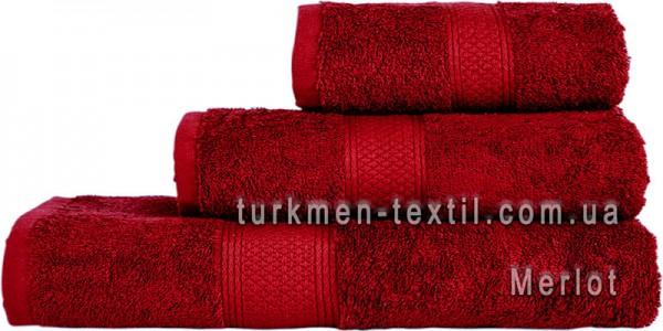 Махровое полотенце 70х140 см бордового цвета 550 г/м2