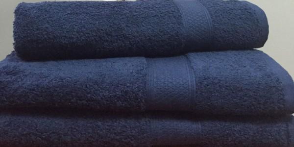 Махровое полотенце 50х100 см индиго цвета 550 г/м2
