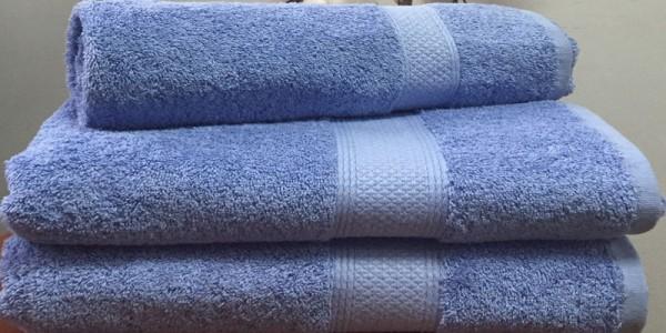 Махровое полотенце 70х140 см лавандового цвета 550 г/м2
