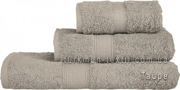 Махровое полотенце 50х100 см серо-бежевого цвета 550 г/м2