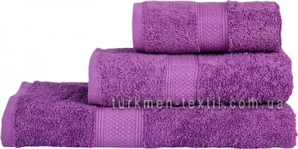 Махровое полотенце 70х140 см фиолетового цвета 550 г/м2